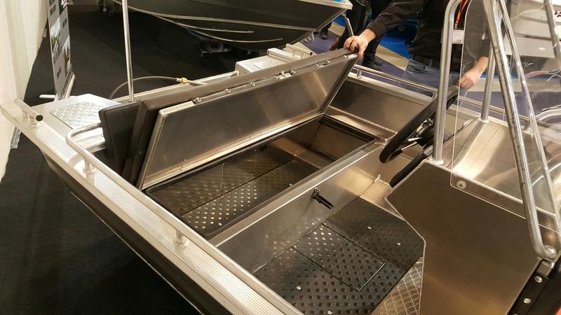 Welp UMS Tuna 410 CC Aluminium consoleboot | WN-07